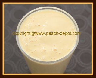 Homemade Peach Smoothie with Yogurt