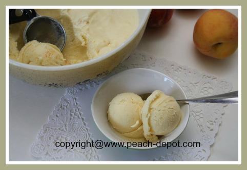 Best Ever Peach Ice Cream Recipe