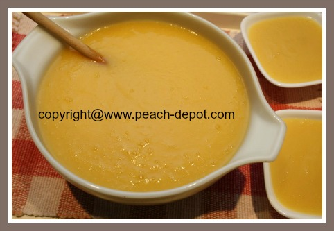 Homemade Peach Applesauce pureed in blender