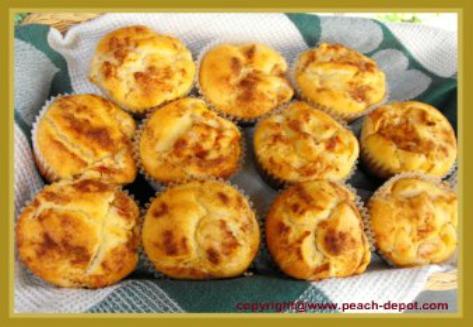 Homemade Peach Muffins - Peach Streusel Muffins from Scratch