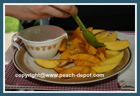 Preparing Mangos for the Grill /  Barbeque